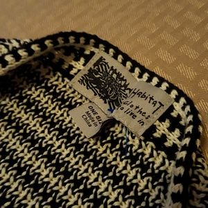 Habitat Sweaters - Sleeveless Shawl Poncho Black / White Knit One Sz